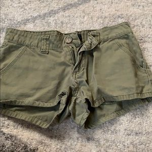 Forever 21 olive green shorts size 26